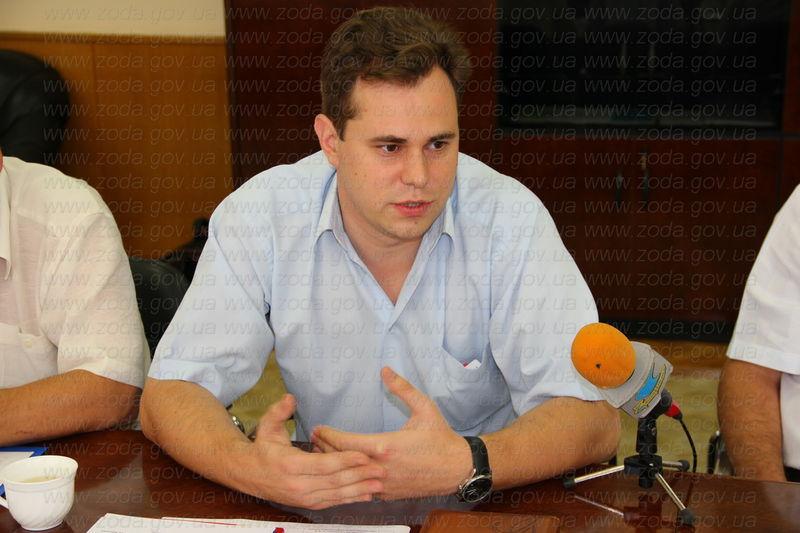 Зам мэра Сергея Мешка обвиняют в бездеятельности и требуют его отставки
