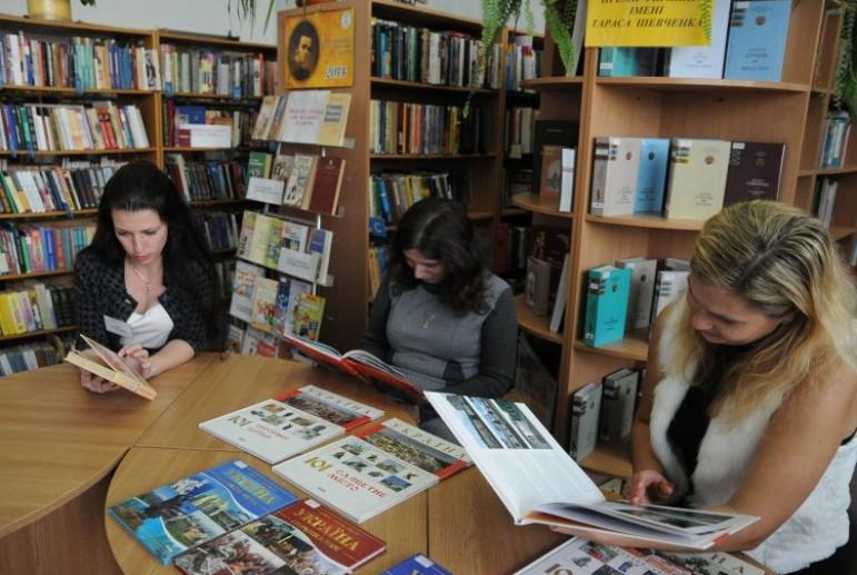 В Запоріжжі масово закривають бібліотеки
