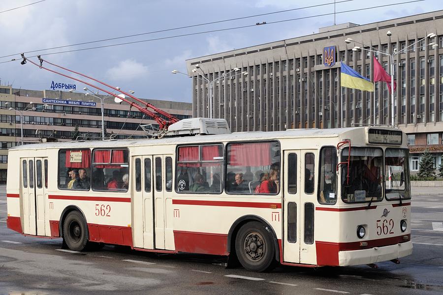 У новорічну ніч запорізький громадський транспорт буде працювати допізна