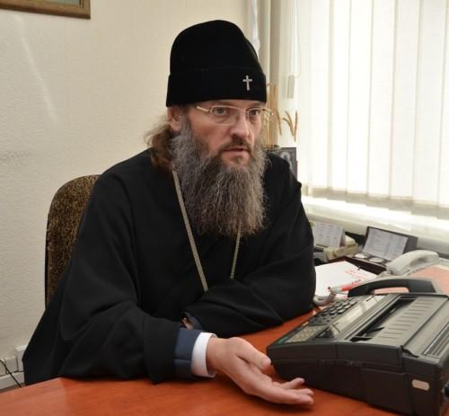 Московський Владика із Запоріжжя їздить благословляти бойовиків?