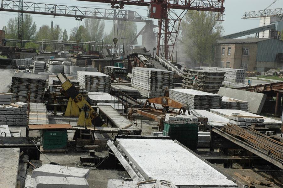 <strong>Запорізький завод, який міг би виробляти плити для мостів, розбирає на деталі крупна російська компанія</strong>