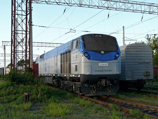 В Украину из США прибыл первый локомотив General Electric