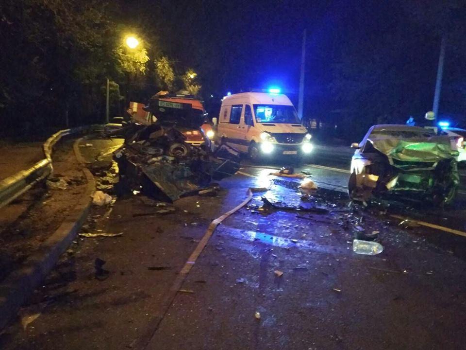 В Запорожье произошла страшная авария. Один из водителей погиб на месте