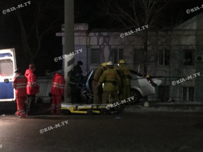 Кілька ДТП одночасно в одному місці, 3 людей у важкому стані – вечір у Мелітополі – відео