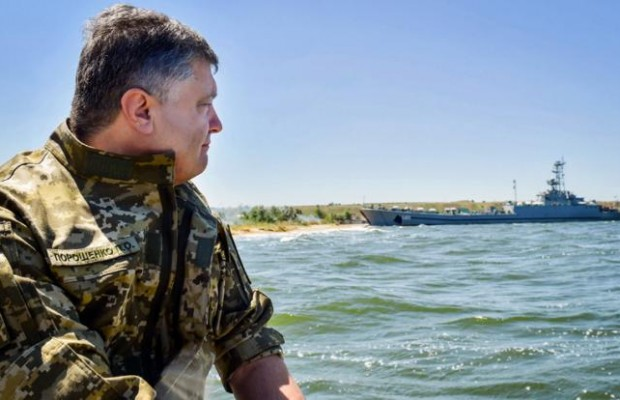 Порошенко заявив, якщо світ довго думатиме, Україна надасть відповідь ворогу самотужки