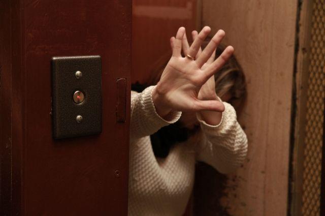 Мешканку Запоріжжя намагалися зґвалтувати прямо у ліфті