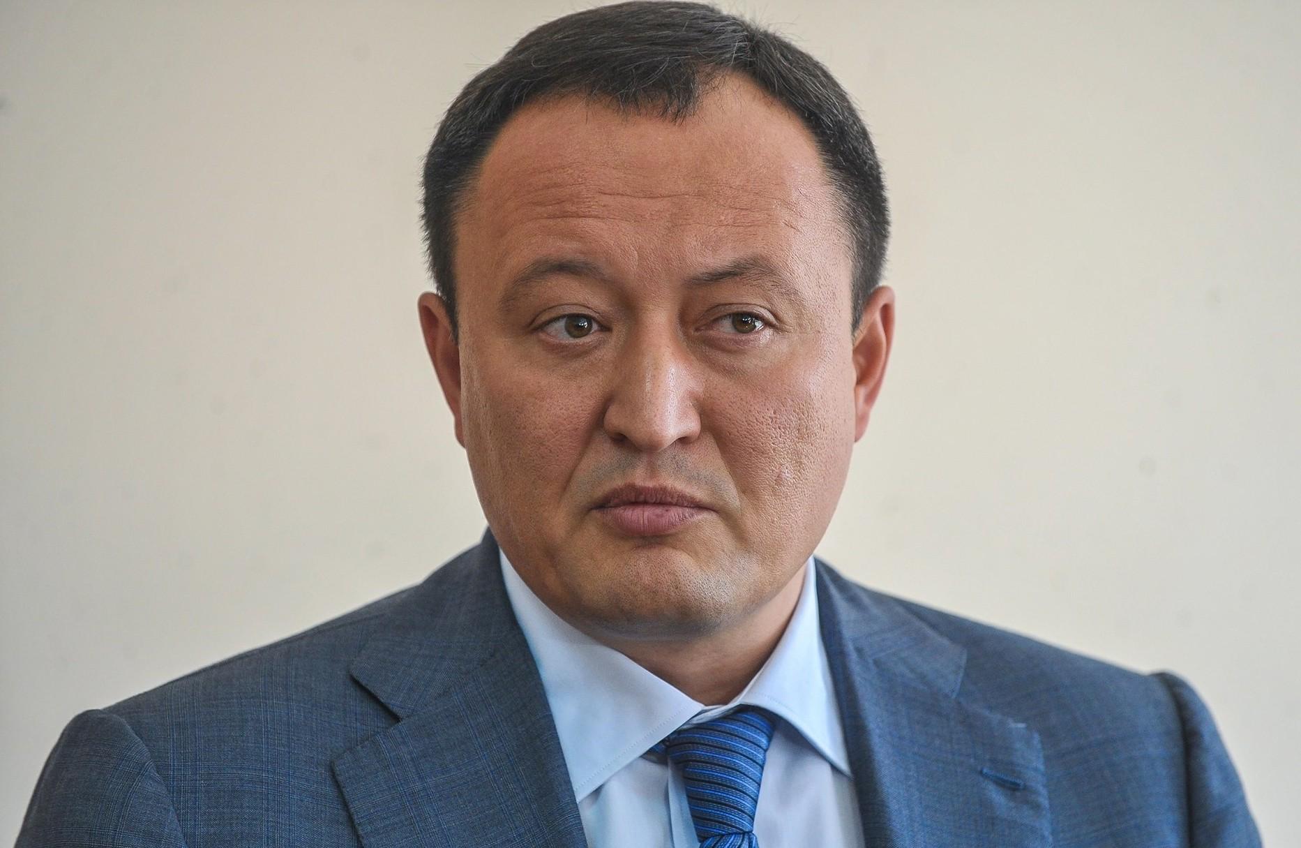 У Зеленського повідомили, що президент звільнив 15 голів ОДА, серед них запорізький