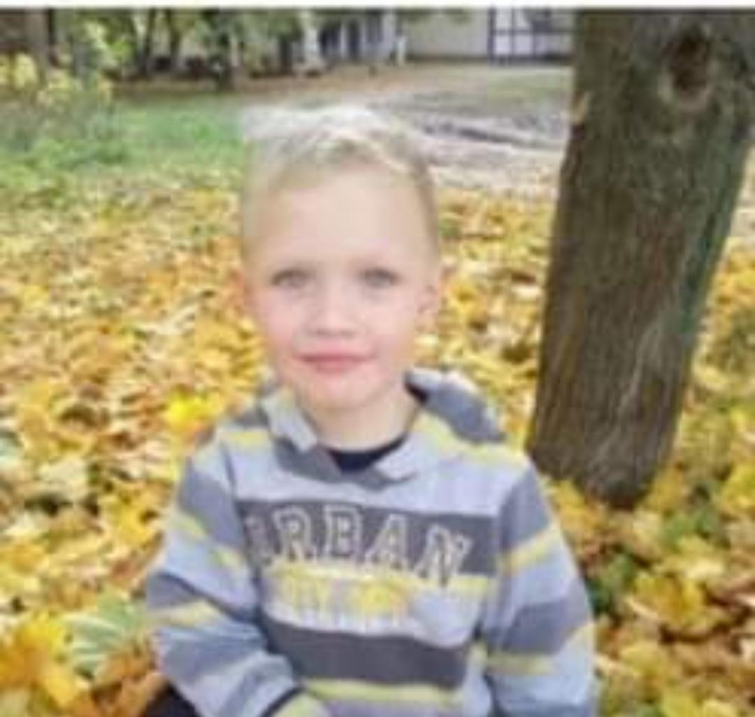 Малюк, якого підстрелили п'яні поліцейські помер, запоріжці з квітами та іграшками підуть вимагати покарання