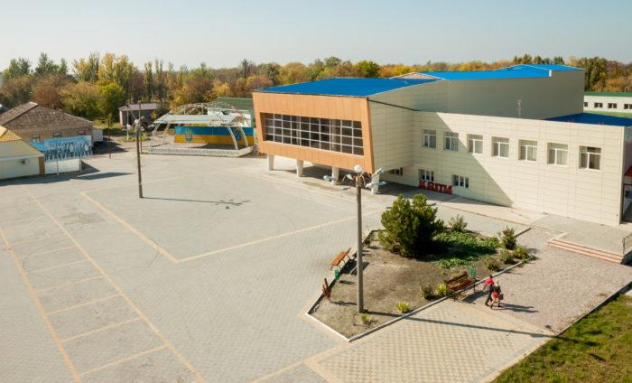 Школярі Веселівської ОТГ успішно займаються бізнесом та самі дбають про свою школу