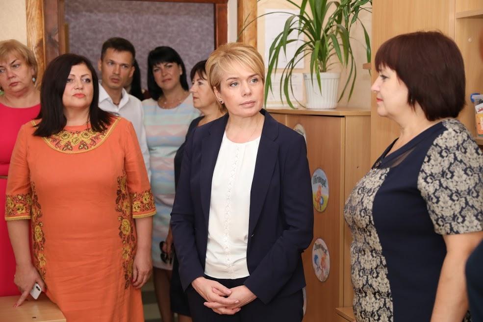 Міністр освіти і науки Лілія Гриневич сьогодні в Запоріжжі спілкується з освітянами