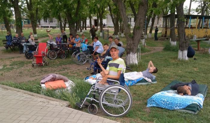 Активістиб'ютьна сполох: у Запорізькій області хочуть ліквідувати психоневрологічний інтернат