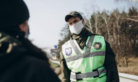 Аваков розказав, що робитимуть із зараженими COVID-19, які відмовляються від госпіталізації