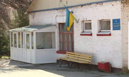 Стало відомо скільки медиків звільнилося з обласної інфекційної лікарні у перші дні карантину