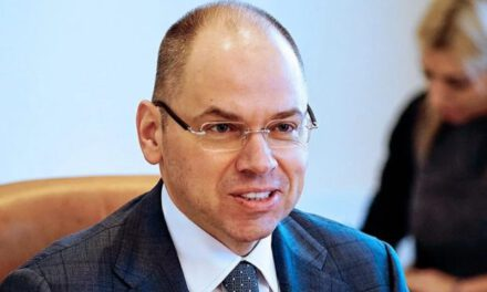 Українським медикам можуть знизити заробітні плати, або звільнити – міністр МОЗ
