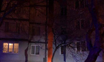 Пожежа в багатоповерхівці Запоріжжя, люди ризикували втратити житло – фото, відео