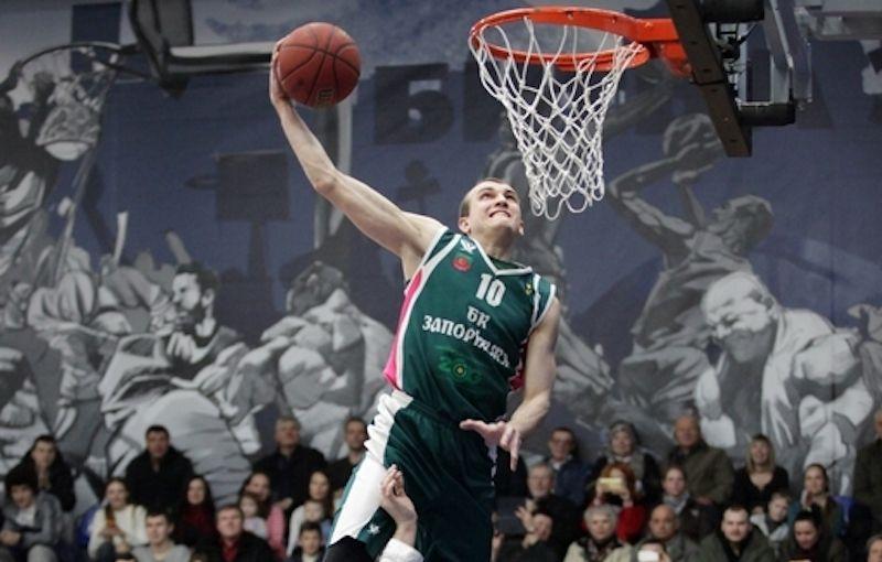 Відомий український баскетболіст у Запоріжжі впав у кому