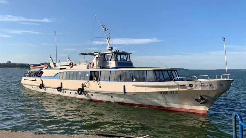 Міська влада Запоріжжя сформувала попередню вартість перевезення пасажирів річковим транспортом