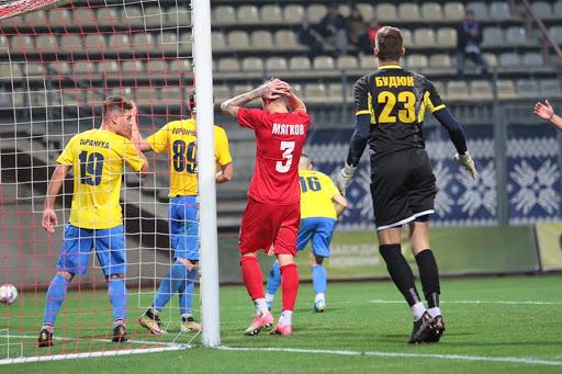 Спалах коронавірусу в футбольному клубі Запоріжжя, команда повертається додому