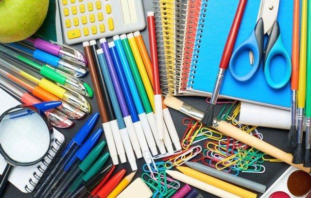 Вчителі у Запоріжжі вимагають у батьків купувати канцелярію в шаленій кількості – фото