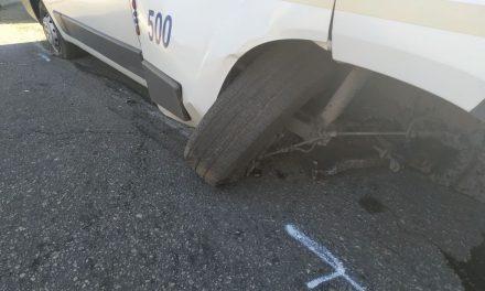 """На Прибережній магістралі в Запоріжжі водій """"швидкої"""" не впорався з керуванням"""