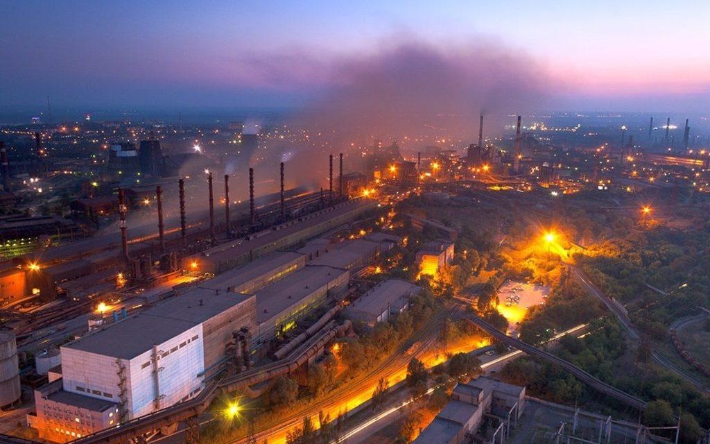 Мешканці Запоріжжя опублікували відеодокази жахливих викидів заводами