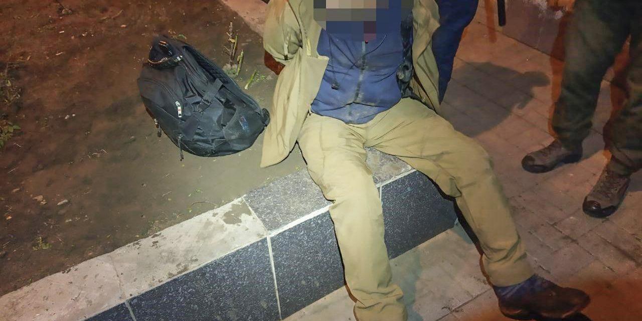 У центрі Запоріжжя затримали чоловіка з револьвером, який підстрелив жінку