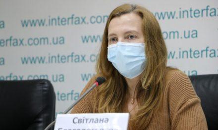 Активістка, що викрила міністра освіти повідомила про продовження переслідувань