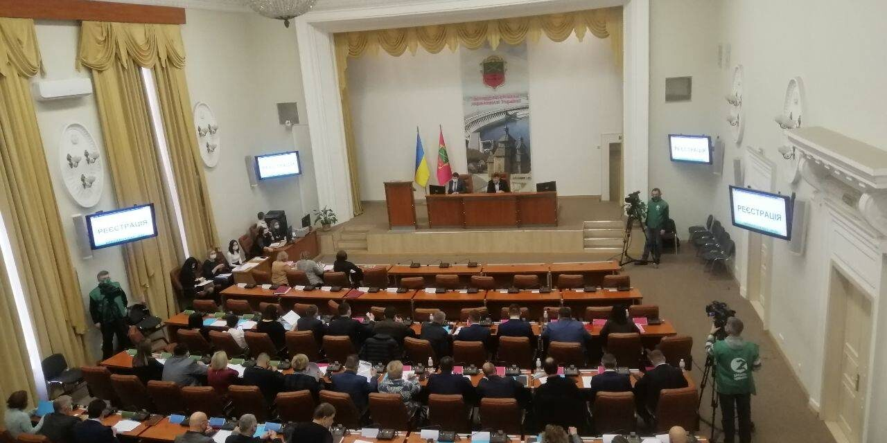 Крига скресла: журналістів впустили на сесію Запорізької міської ради