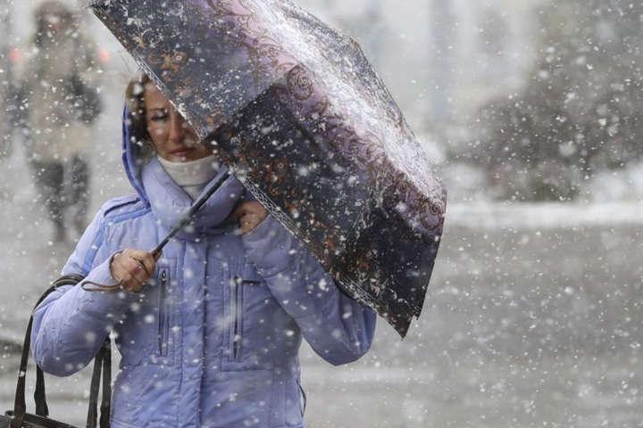На вихідні у Запоріжжі та області сильно зіпсується погода