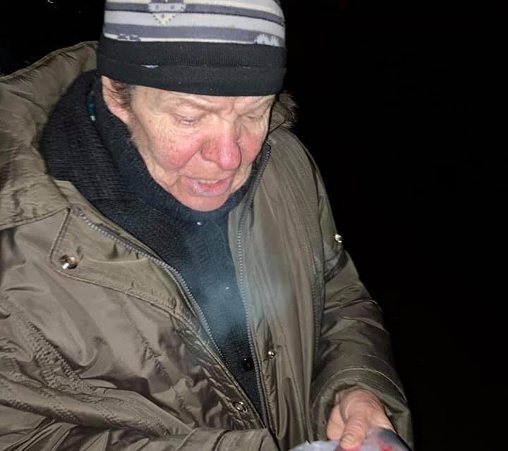 Запорізькі волонтери знайшли жінку, яка втратила пам'ять – фото