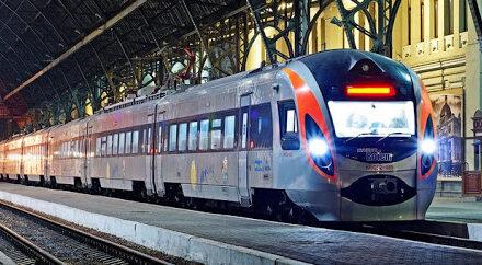 На початку березня Укрзалізниця запускає додаткові рейси, у тому числі до Запоріжжя