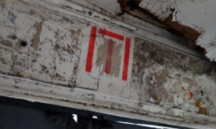 Мешканці Запоріжжя їхали в трамваї, який прогнив наскрізь – фото