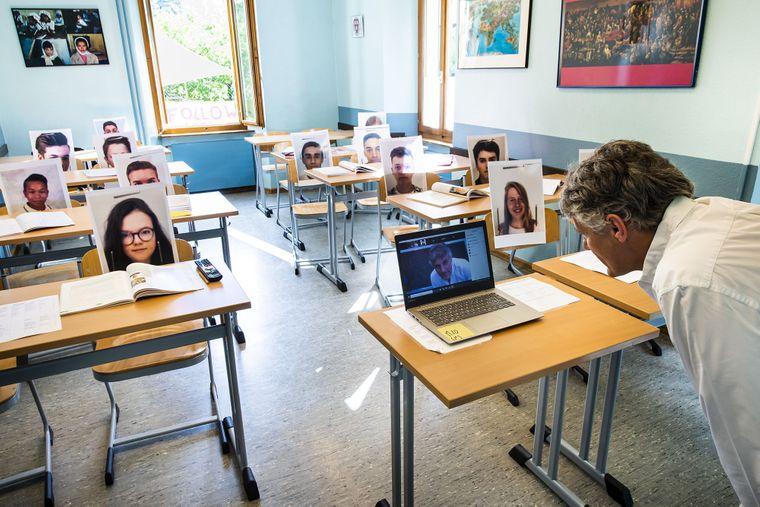 У Києві збирають підписи, щоб перевести учнів молодших класів на дистанційне навчання