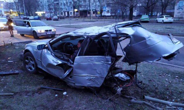 Спозаранку в Запоріжжі трапилася аварія – є травмовані, і один загиблий (фото)