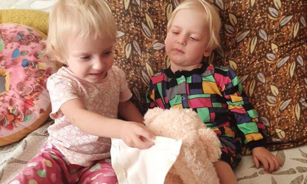У Запоріжжі двоє дівчаток-близнючок стали круглими сиротами в межах одного тижня