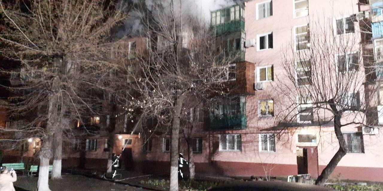 У Запоріжжі рятувальники з пожежі винесли тіла трьох людей – фото
