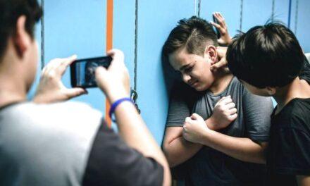 Зникли записи з камер, поліція поводиться дивно – мешканка Запоріжжя про знущання над її сином