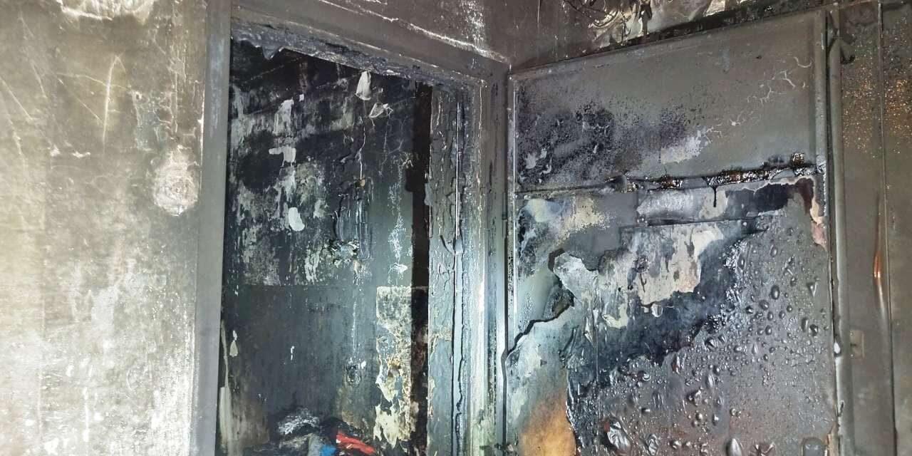 Сьогодні у Запоріжжі горіла п'ятиповерхівка, жінка опинилась під загрозою – фото