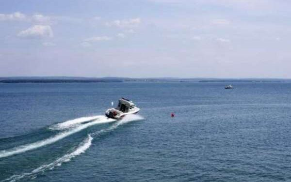 На Запоріжжі перевернувся човен з рибалкою