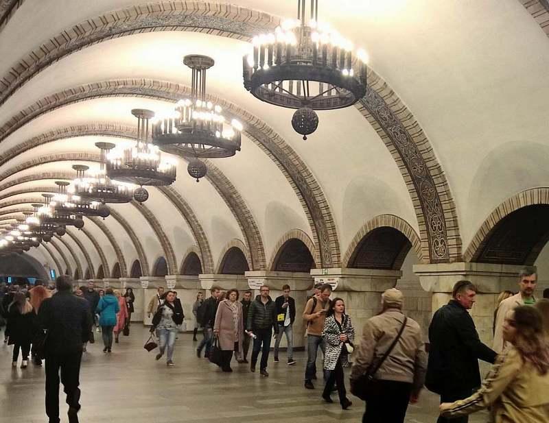 Поїзди у київському метро будуть їздити за новини графіками