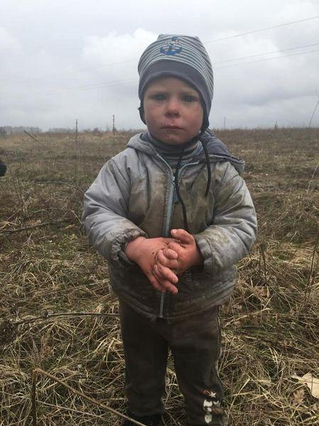 2-річний Богданчик, якого всю ніч шукали на Київщині ховався в недобудові за 4 км від дому