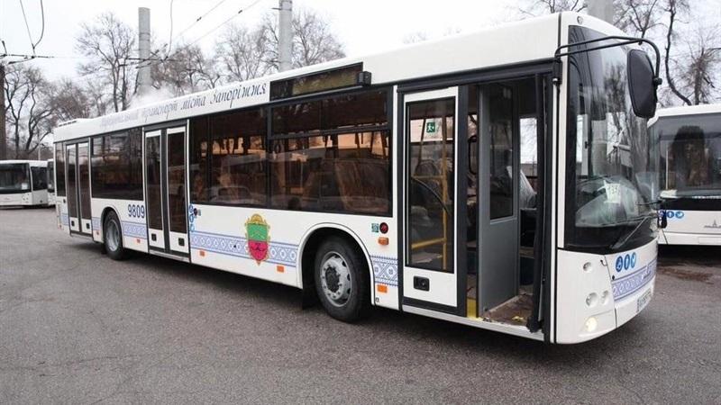 Міський голова Запоріжжя повідомив, що громадський транспорт курсуватиме без обмежень в часі