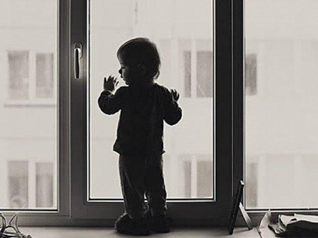 Мати малюка, який випав з вікна дитсадка у Запоріжжі розказала про самопочуття дитини