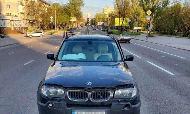 У центральній частині Запоріжжя ДТП, авто вискочило на перебійник
