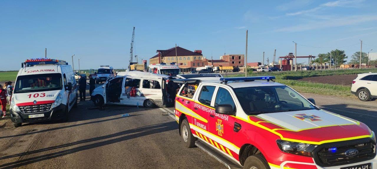 На Запоріжжі трапилася смертельна ДТП, 1 людина загинула, ще 7 осіб отримали травми