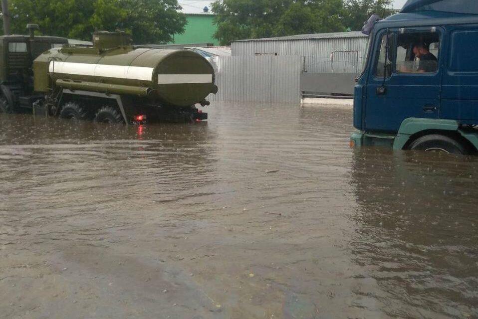 У Мелітополі затопило двори, приватні будинки, дороги та об'єкти соціальної інфраструктури – фото