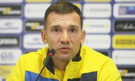 Тренер національної збірної з футболу заявив, що йому не цікава реакція Росії на форму