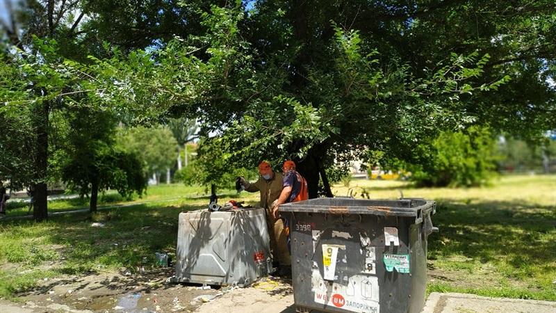 Відомо скільки з початку року зіпсовано сміттєвих контейнерів у Запоріжжі