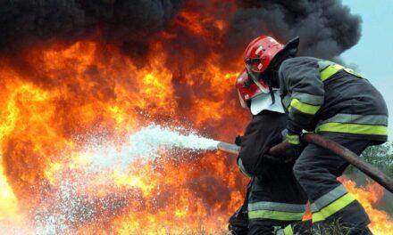 За ніч рятувальники двічі отримували повідомлення про загоряння авто у Запоріжжі