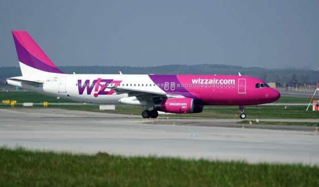 Годину кружляв над містом: літак, що вилетів до Запоріжжя екстрено посадили
